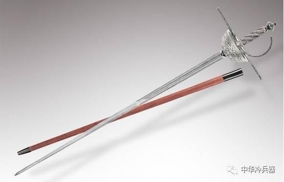 古代的迅捷剑大约1300克重,即可以用于战争,也可以用于决斗.