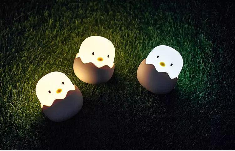 蠢萌��/i�lo;�#9`����yc%���yᢹi-:`�_开团| 蠢萌蠢萌的蛋壳鸡小夜灯,治愈你的心灵