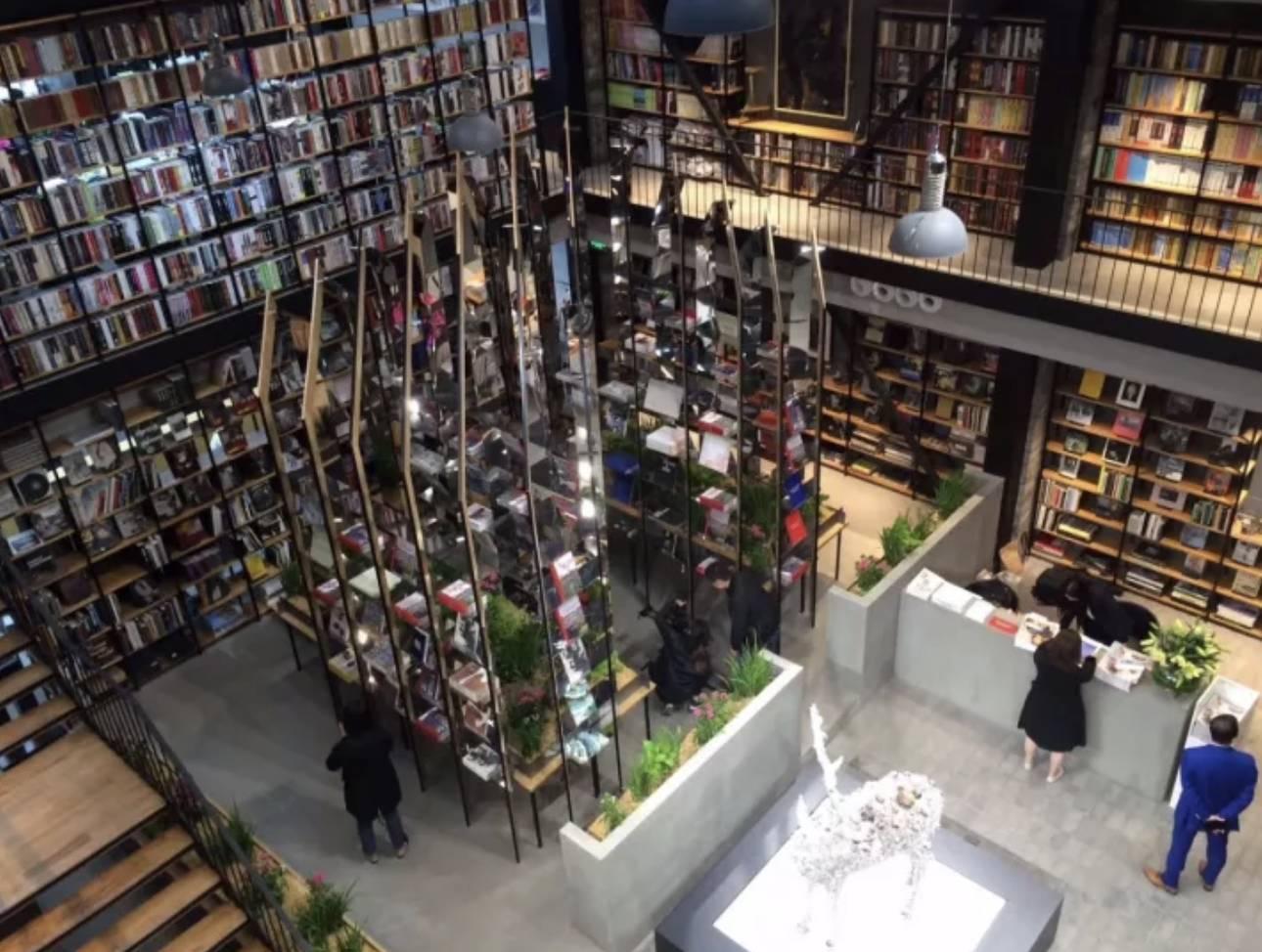 豪瑟沃斯中国首家快闪书店