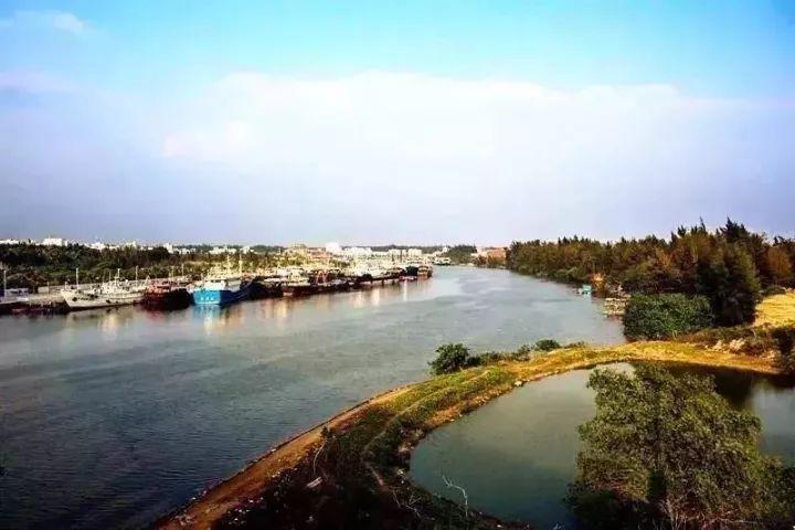 至今已有千年历史,当地人将黄岩岛视为自己的