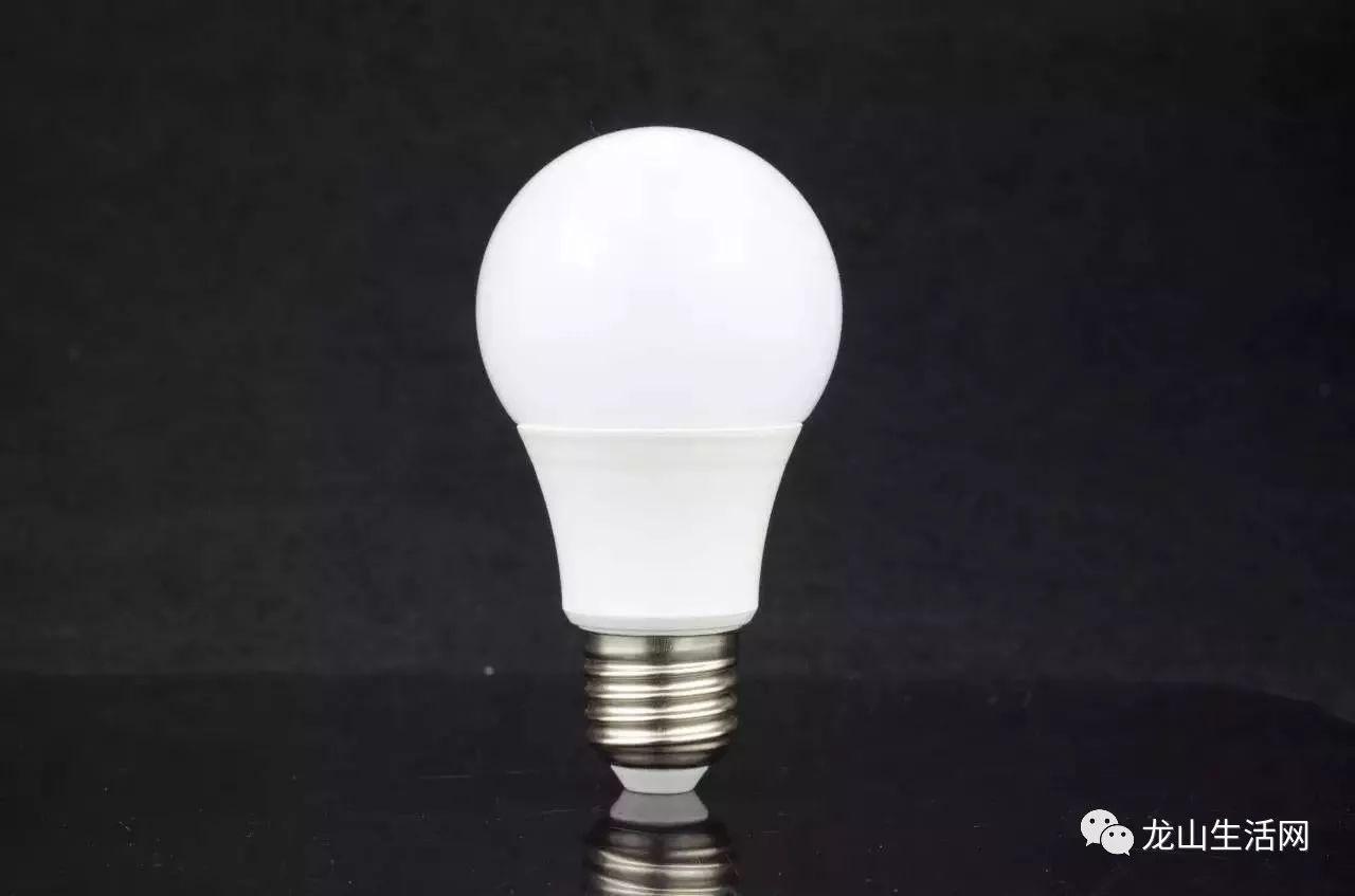 led球泡灯横向评测