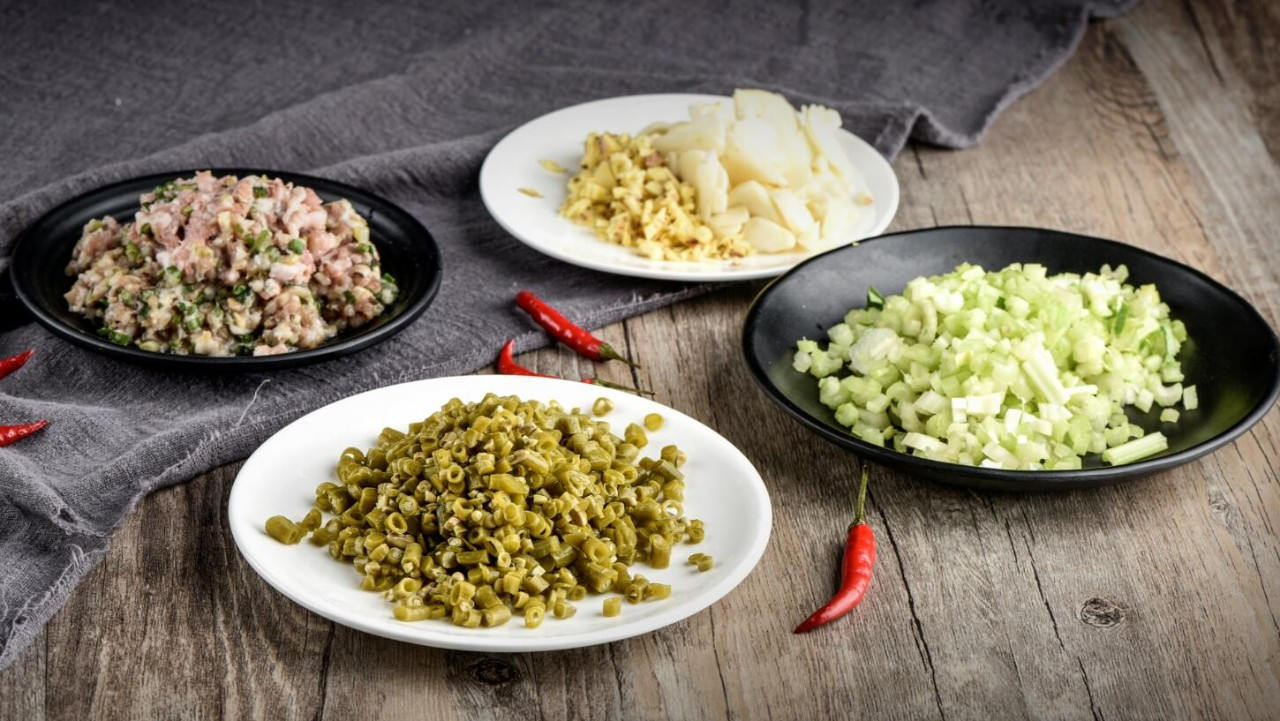 做菜时,葱姜蒜和花椒可别乱放!原来这些都是有讲究的图片