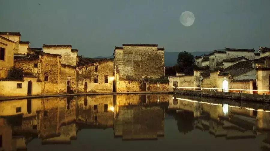 世界上最美的50个小镇,我愿和你在此度过余生!