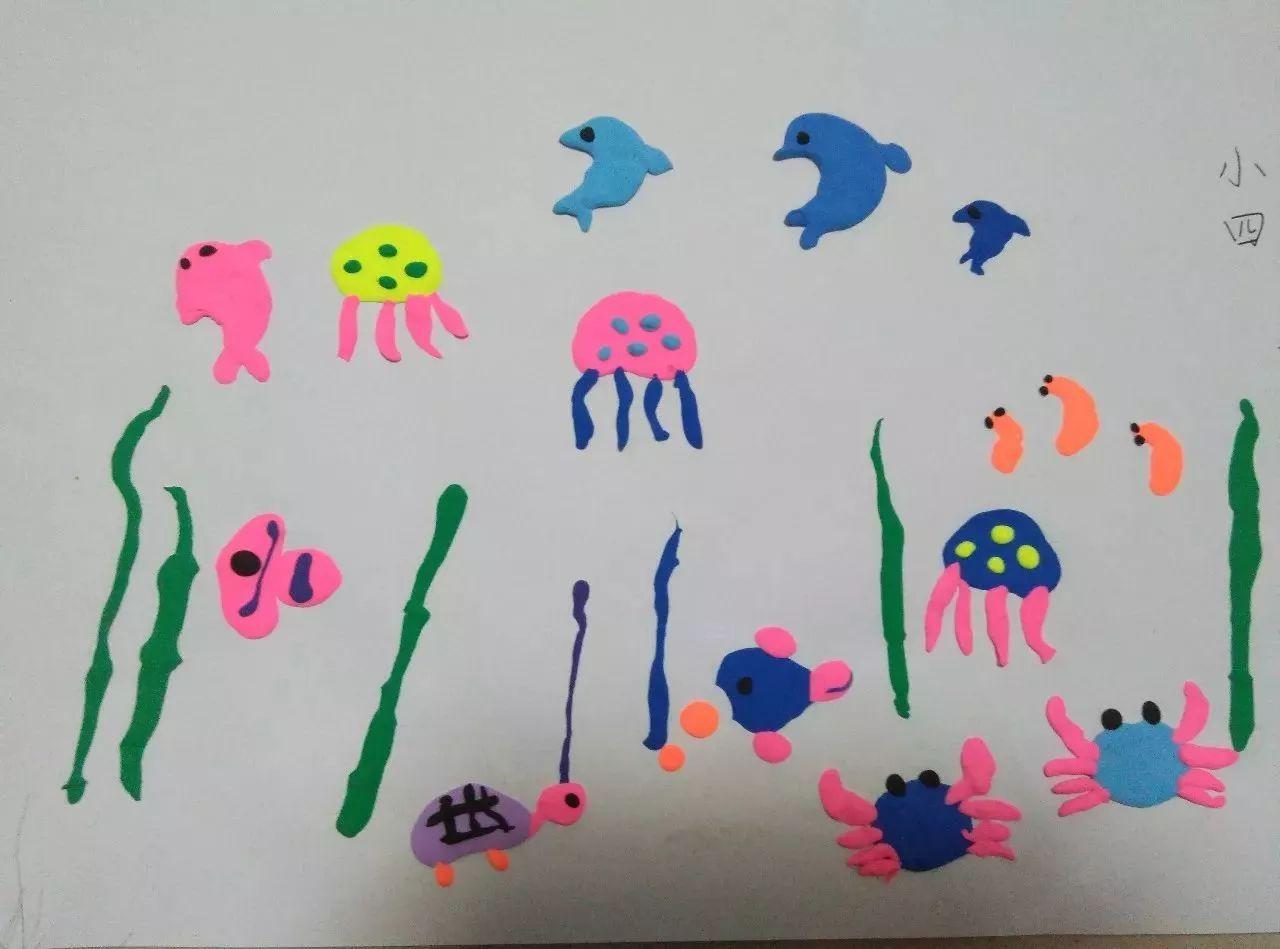 我印象中做过树叶画,用纸盒做过汽车,用橡皮泥做过海底世界,雨滴等等