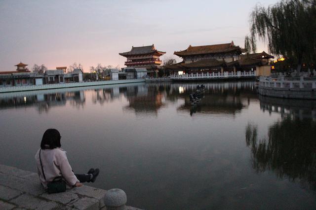 深耕25年,打造中原最大复原宋代建筑,清明上河园让世人叹为观止