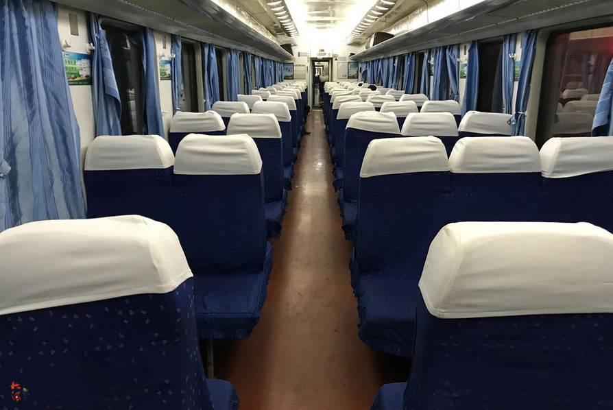 普通�z(K�_成都至西安普通列车遇冷 k字头车硬座变卧铺