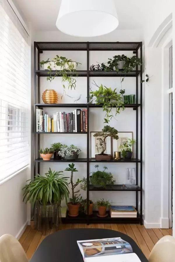 一,阳台功能 封闭式阳台常被设计成书房,餐厅,卧室,洗衣房,储藏室