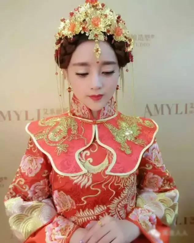 端莊古典秀禾新娘造型,盡顯高貴與優雅圖片