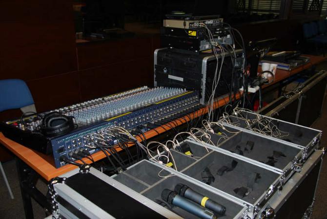 调音台 均衡器 功放等音频设备常见故障和使用注意事项