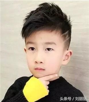 最适合小男孩发型的是什么发型11岁