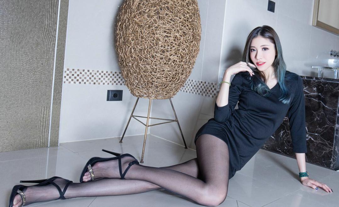 黑丝美女被颜射_妙龄女郎包臀裙吸引眼球, 黑丝美女有种东方知性韵味
