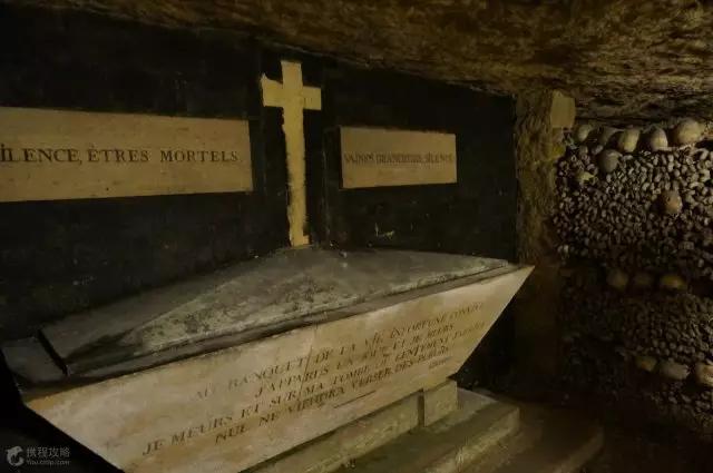 震惊世界的殉葬方式,比河神还惊悚