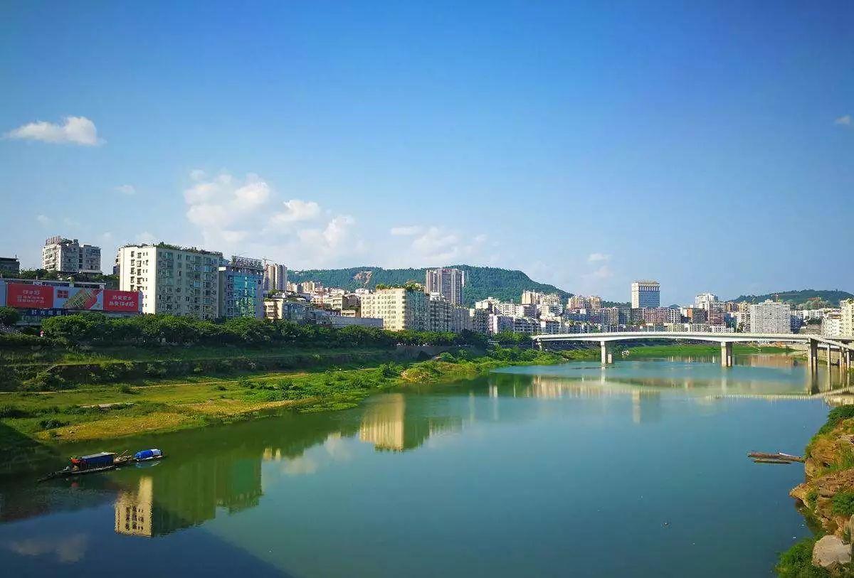 近日,《巴中市巴河城区段(大佛寺大桥-李家湾闸坝)河道景观规划设计图片