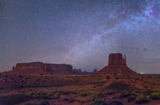 绝美星空!看到纪念碑谷的银河拱桥,我内心仿佛被点亮了