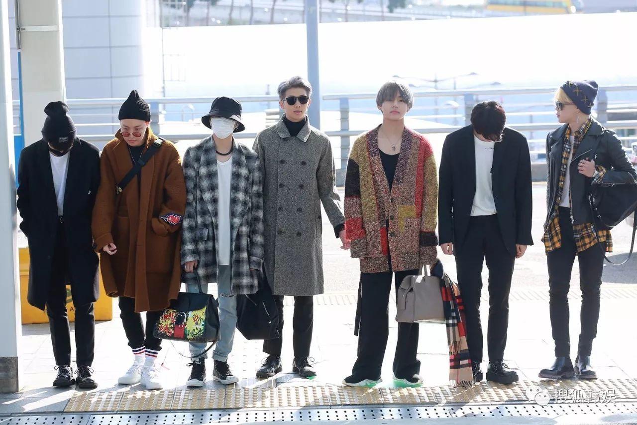防弹少年团现身仁川机场受邀出席ama 帅气出征美三大脱口秀