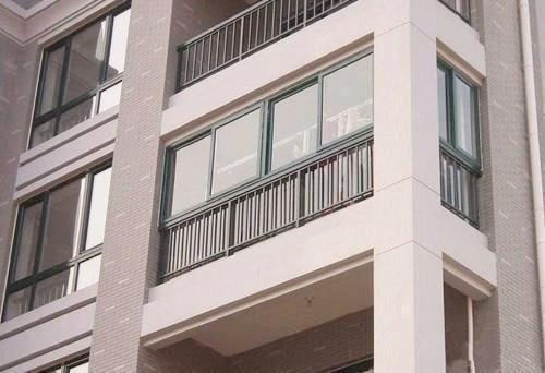 装3套房才懂阳台护栏最安全处理,以前装的武汉新房打算拆了重装