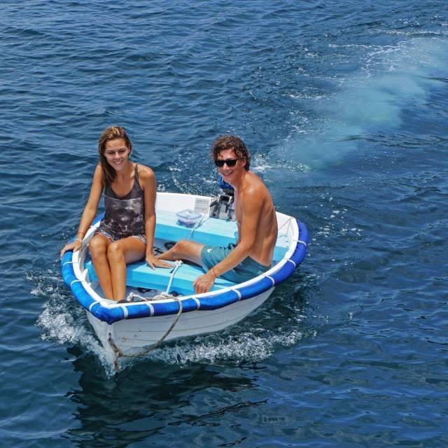 夫妻花光积蓄买帆船漂泊8个月,开挂的人生就是这么牛!
