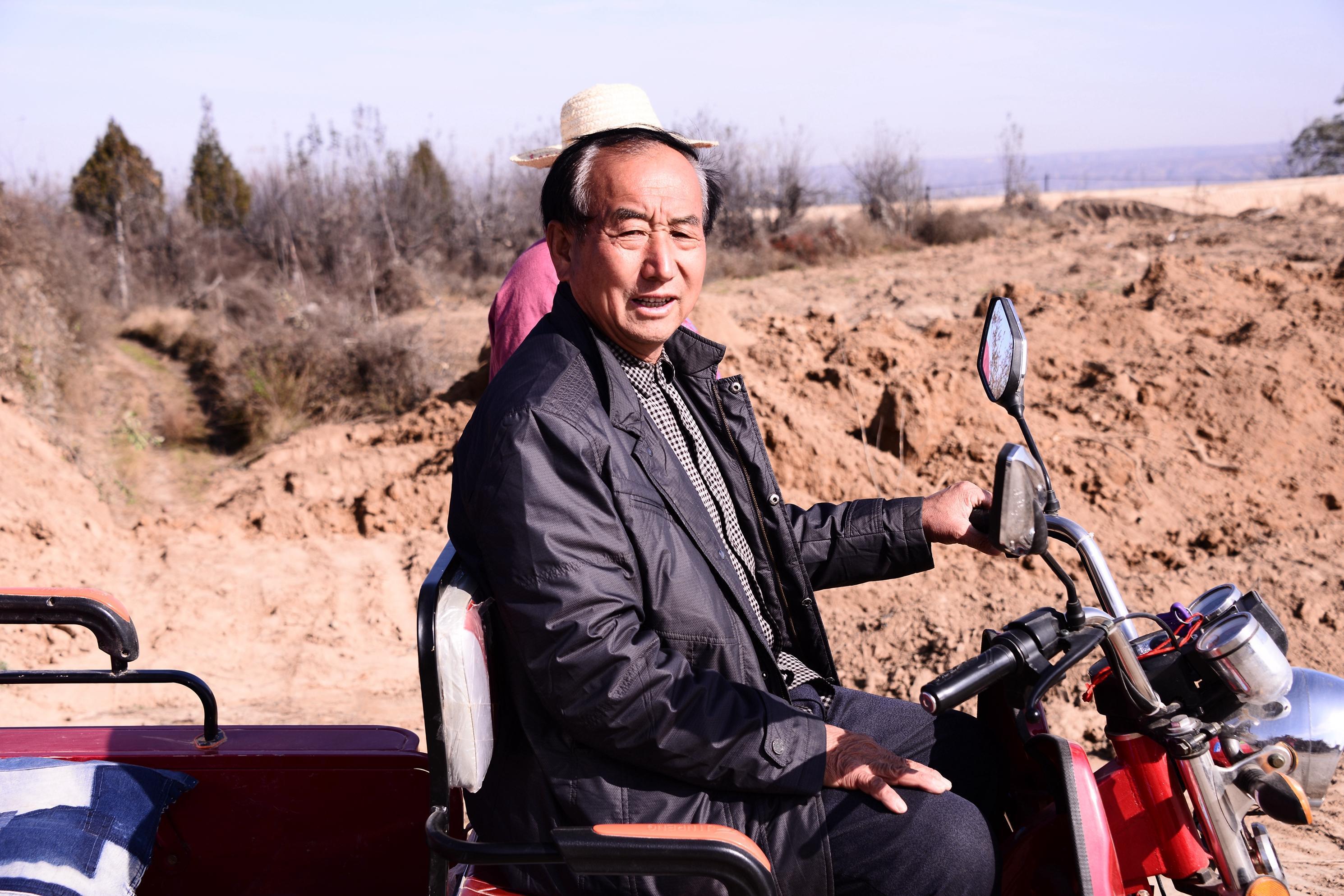 他小学文化,却带领全村人发展陕北特色旅游度假村