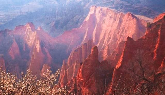 河南藏了个红石谷,面积虽小却惊艳不已,形成于一亿七千万年前!