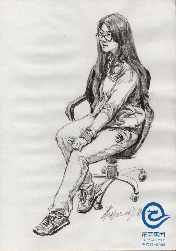 人物速写之怎样画好蹲姿坐姿