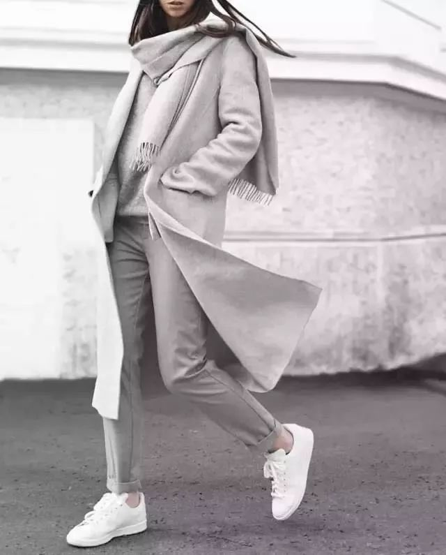 时尚潮流美发七种长条丝巾的系法图解 优雅 高贵