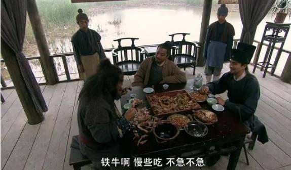 中国人吃狗肉,日本人吃鲸鱼肉的背后的原因,相当涨姿势!