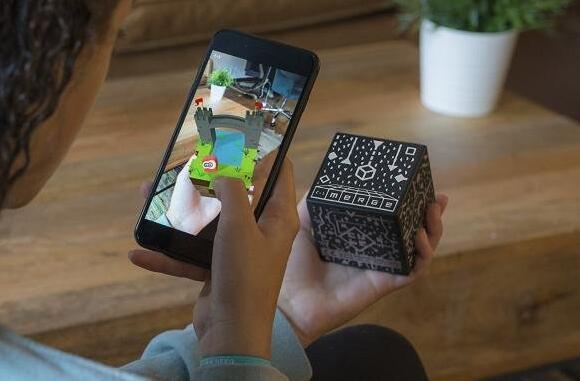 AR全息玩具Merge Cube销量破百万