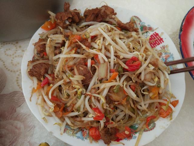 鸡血也可以卷大饼?看看五花八门的陕北农村家常菜