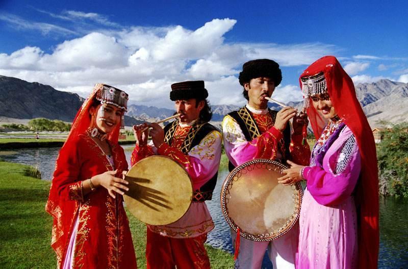 新疆各民族人口_金羊迎盛世 万达惠中国 万达城新春嘉年华