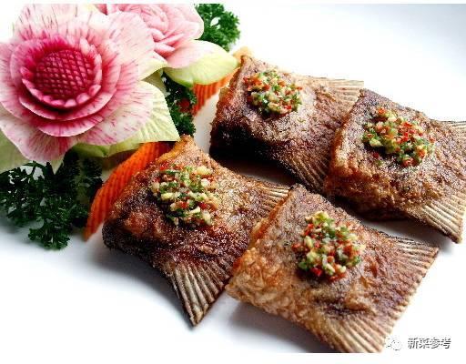 菜式特点:鱼尾寓意乘龙有尾,煎着吃鱼皮酥脆有嚼劲,摆盘一般四个一盘.图片