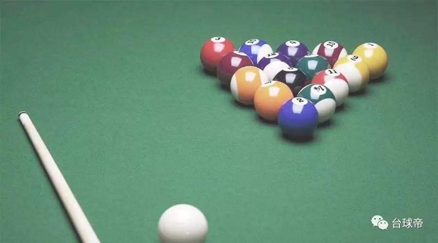 台球的反弹原理_如图.击打台球时小球反弹前后的运动路线遵循对称原理.即小球反弹前后的运动路线与台球案边缘的夹角相等.在一次击打台球时.把位于点