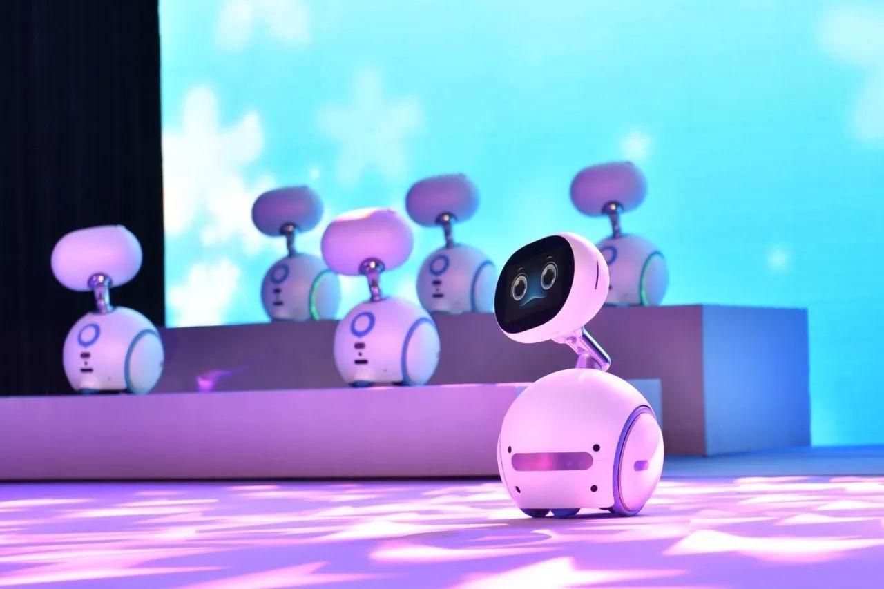 美女机器人