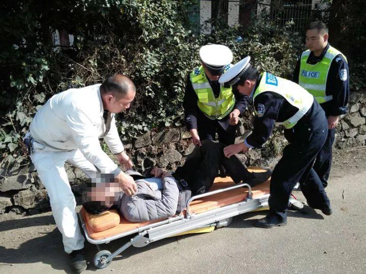 单方肇事事故_社会 正文  11月11日,倘塘辖区内发生一起摩托车单方肇事伤人事故