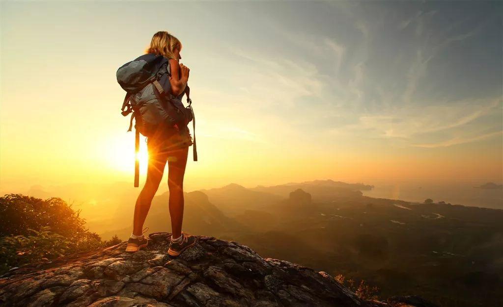 伤����z)�j�Ί_外出旅游徒步登山技巧很关键