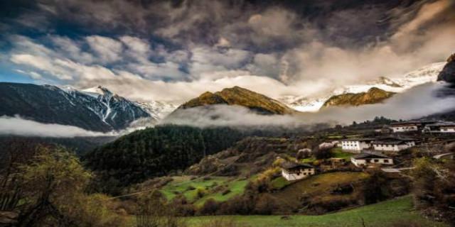 雨崩村的魅力无法阻挡 却深深的藏在雪山里