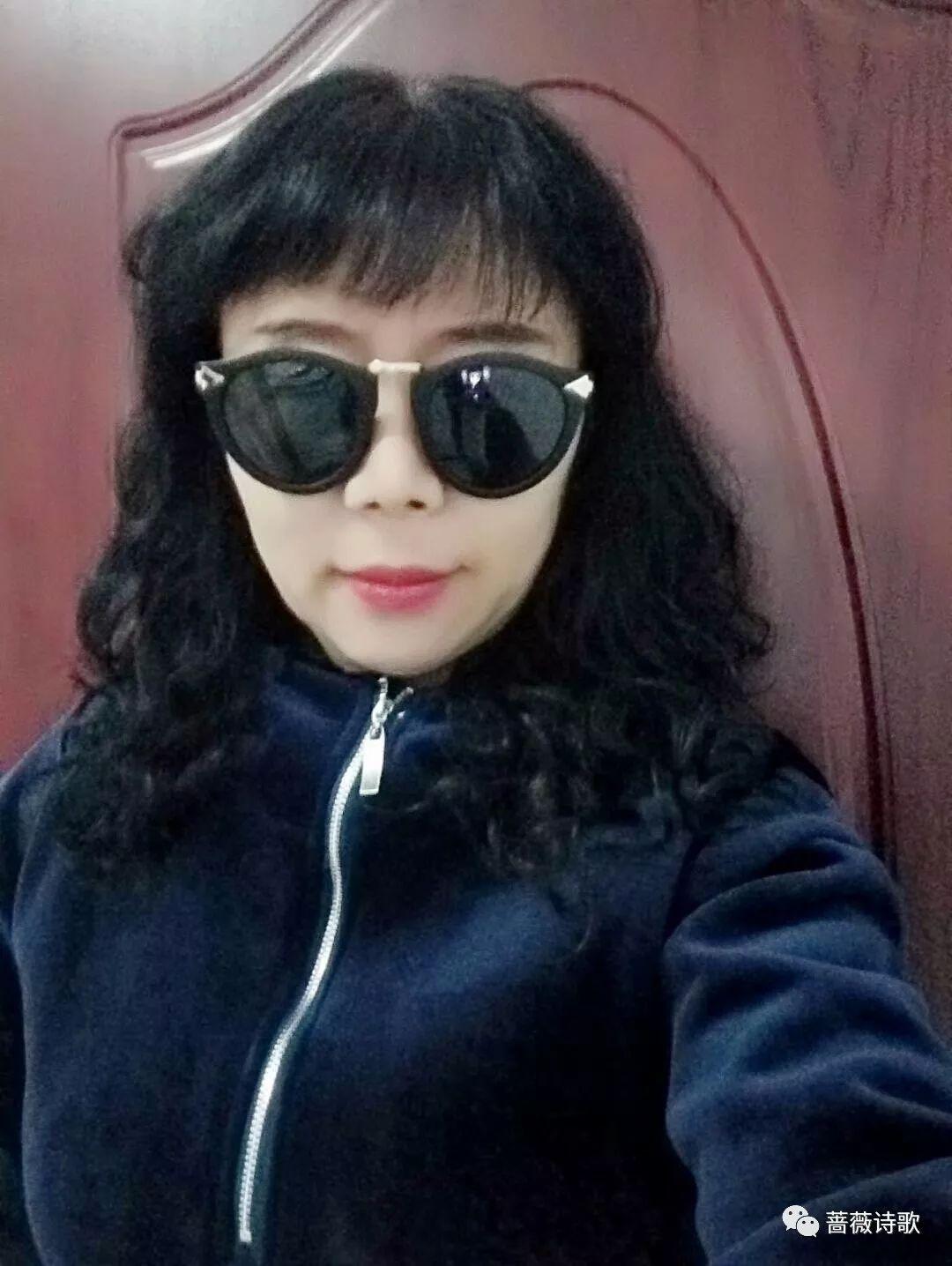 南风中的微笑--李晨熙(ISABELLA)-图库-手机搜狐
