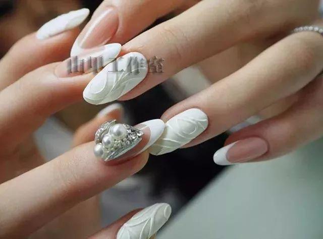 莹润珍珠美甲,竟然可以美成这样!图片
