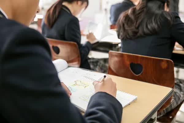 从班级48名到660分考入上海交大,只因他做了这一