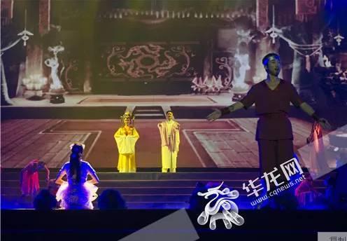巫山红叶节开幕式晚会精彩图片大放送,带你图片