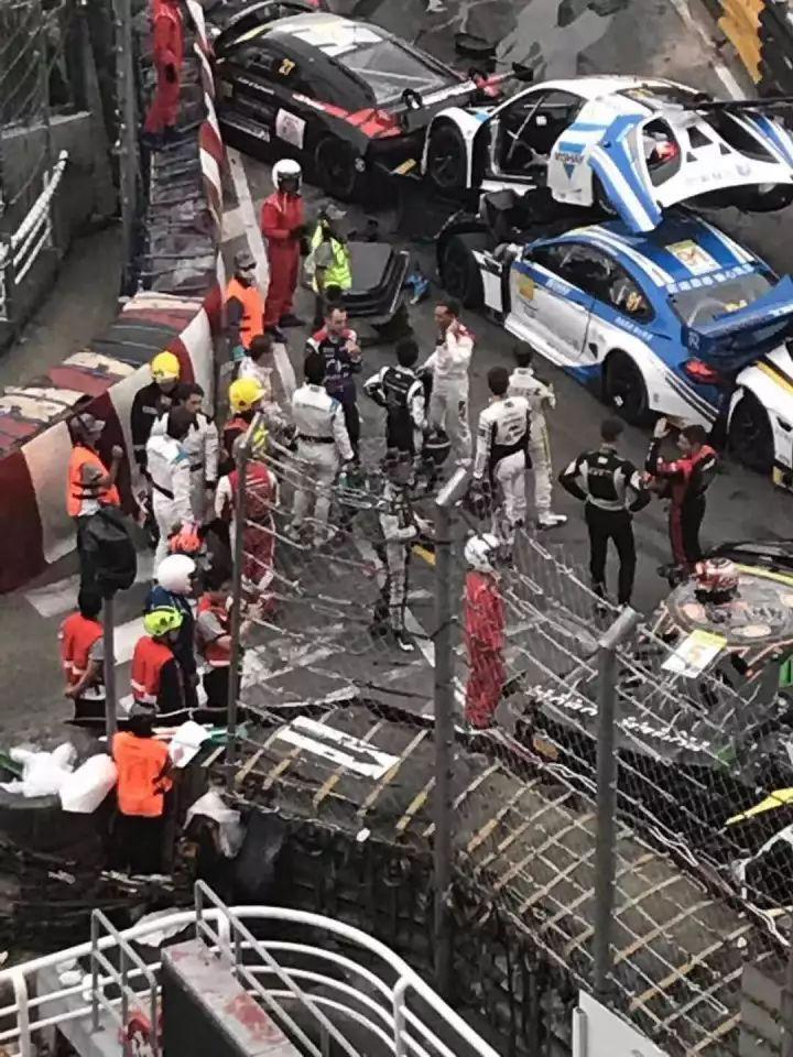 史上最贵车祸 十多辆超跑连环追尾,视频令人惊呆 网友 感觉瞬间一个亿没了