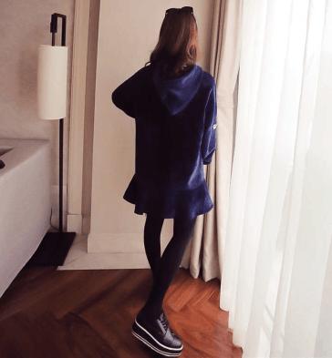 秋天的女孩子最适合酷酷的风格穿上这几件衣服还要什么男朋友!