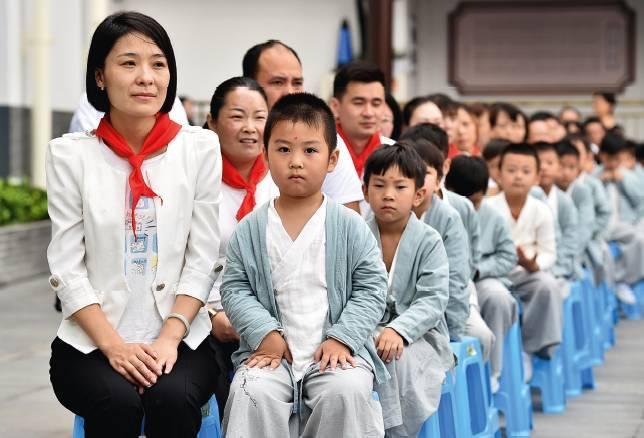 中国家长为什么要在家委会拼简历?