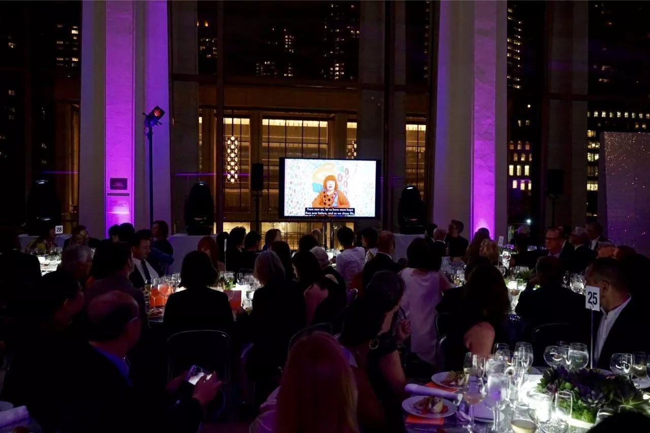 """美国赫希洪博物馆授予艾敬""""32位全球顶尖女性艺术家""""荣誉"""