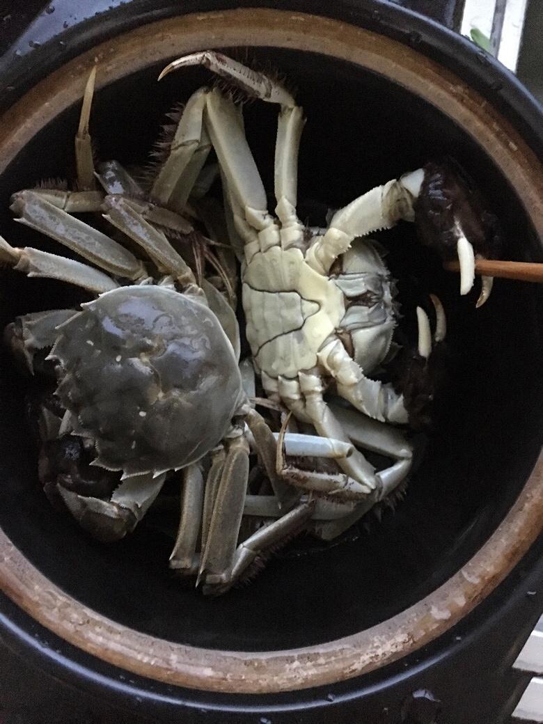 越南农村人用传统方法制作砂锅螃蟹!倒出来那一刻流口水了