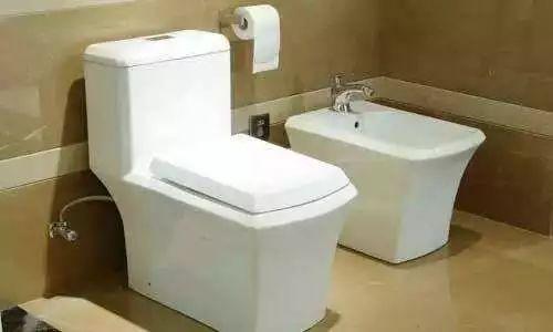 马桶上有两个按钮按哪个才对 马桶上为什么会安置两个按钮