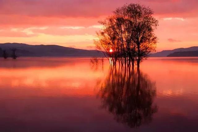 在念湖寻找秋天的童话人少景美超凡脱俗!