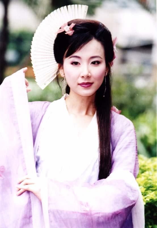 林志玲爆红前,她才是台湾第一美女 如今49岁身材火辣,脸却整成面具