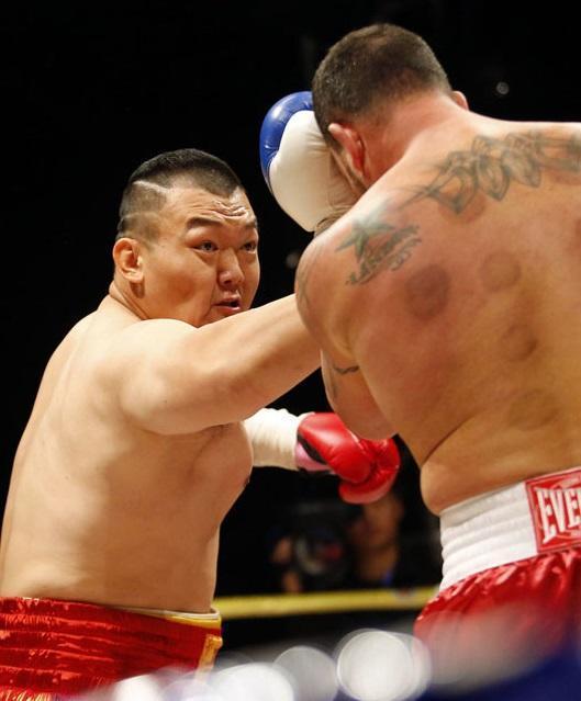 张君龙无愧黄种人重拳之王,18场KO含金量远超一龙