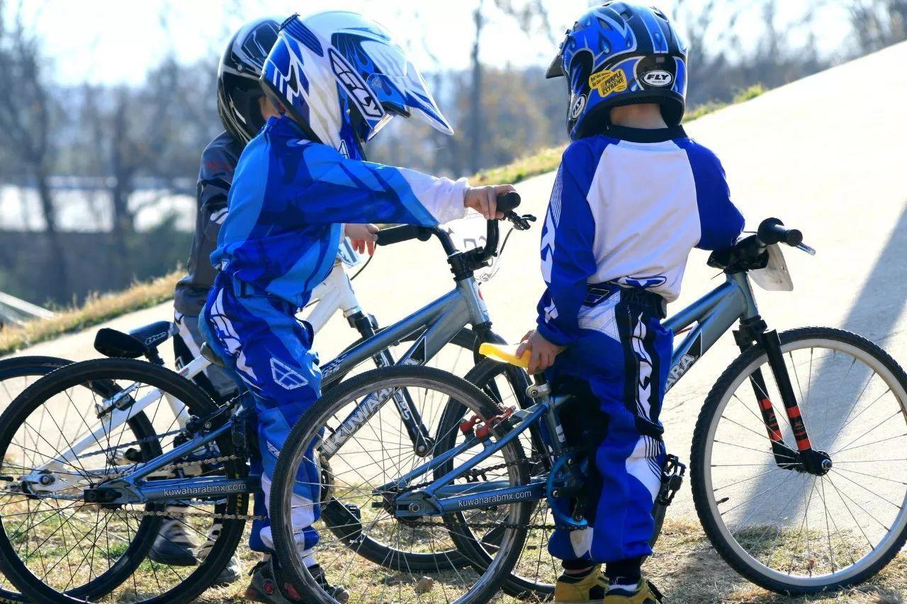 为什么爱运动 体育好的孩子更能大器