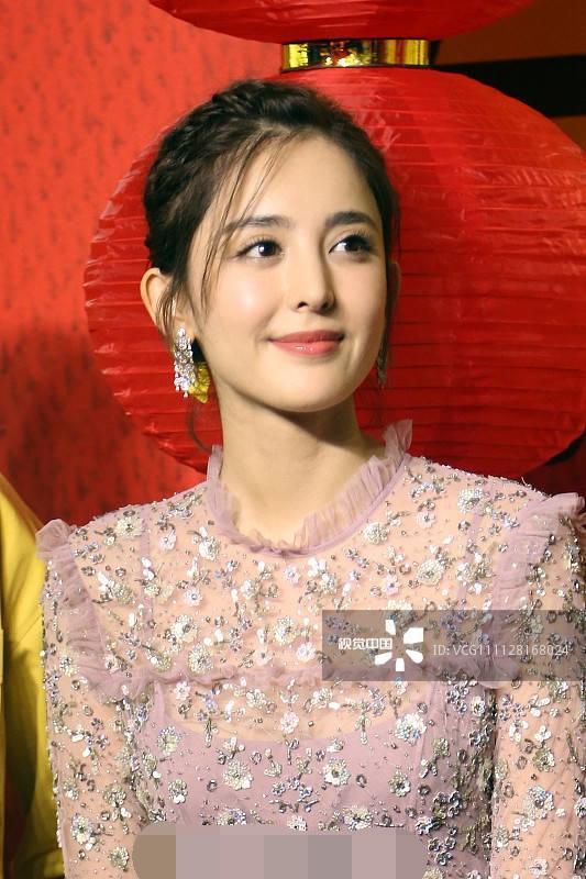 赵丽颖悄悄老了?视觉中国镜头下还有她们现原形,娜扎热巴仍漂亮